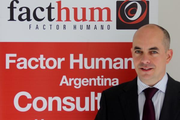 Headshot of Antonio Pamos, Socio-Director of Facthum in Spain, a Cubiks partner